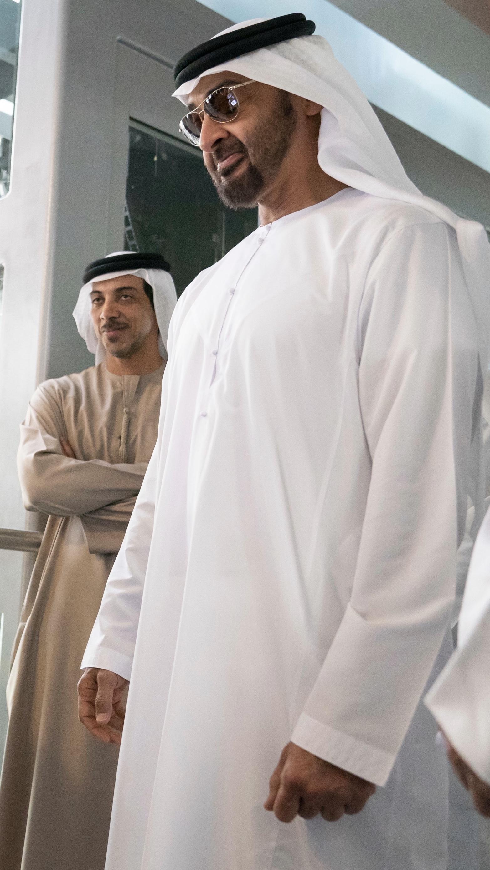 الشيخ محمد بن زايد خلفيات الشيخ زايد للايفون